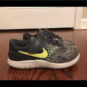 Nike Flex Contact sneakers - in great shape!